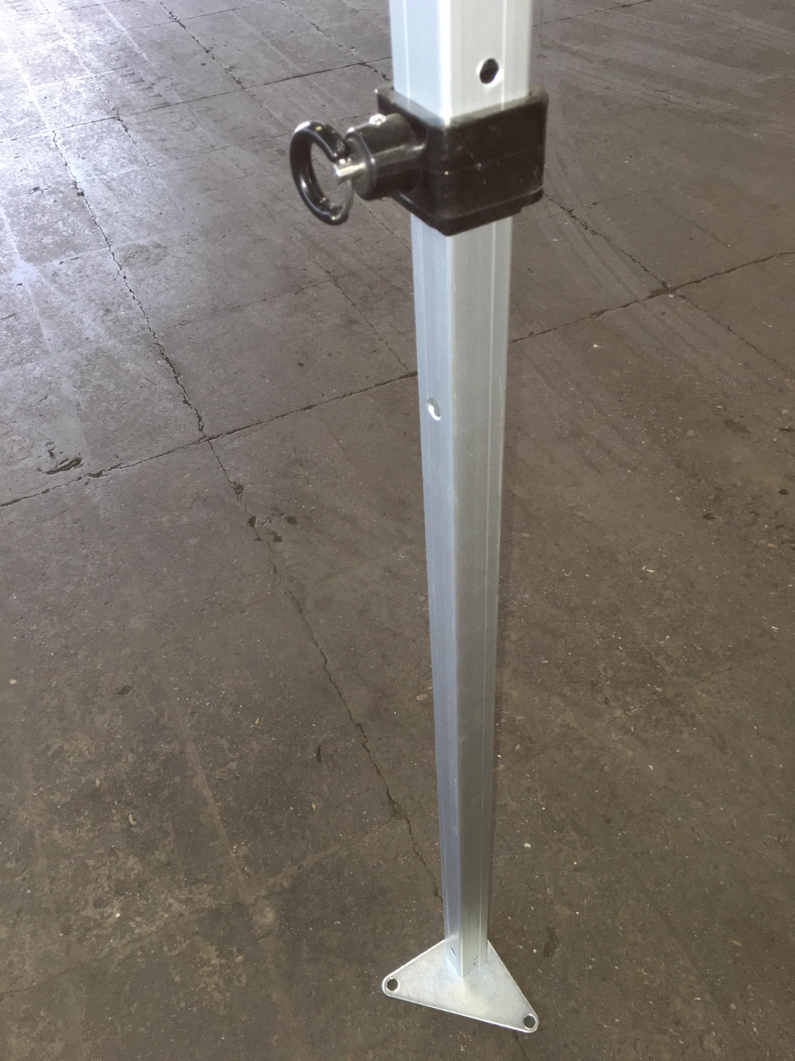 struttura in alluminio anodizzato con con snodi e telo rinforzati per garantire una eccellente stabilita e praticita' in apertura e chiusura