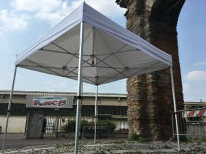 professional extra-resistant gazebo suitable for any eventuality